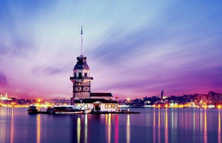 İstanbulun simgesi Kız Kulesi