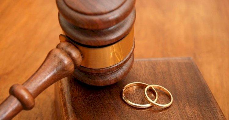 Eşin Sürekli Hakaret Etmesi, Aşağılaması, İnsanlara Karşı Küçük Düşürmesi  Hakkında Yargıtay Kararı !